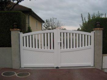 Portail 2 vantaux PVC