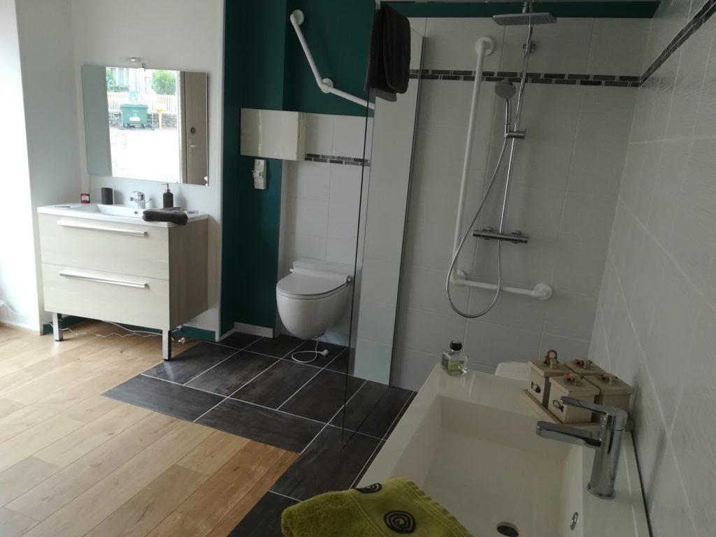 Fourniture et pose de Salle de bains à l'italienne accessible à Limoges et en Haute Vienne
